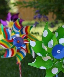 GIOBAS Carnival Windmills
