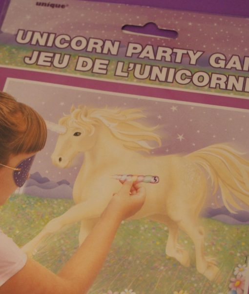 Pin the Horn on the Unicorn party game is the unicorn variation of the classic kids party game Pin the Tail on the Donkey. Ideal for 3-6 year old girls & boys.